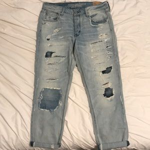 AE tomgirl distressed jeans